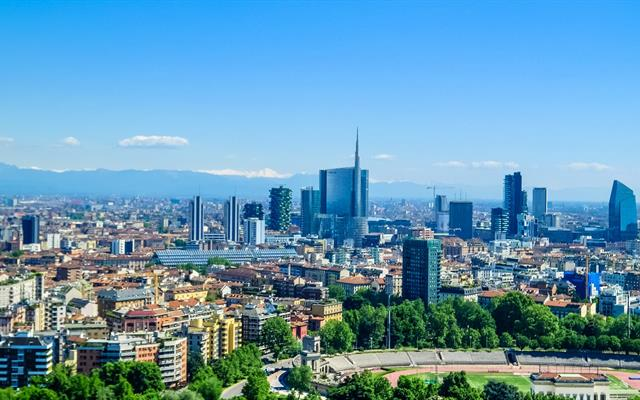 A beautiful picture of the Milan skyline